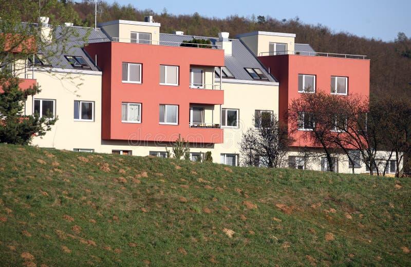 Edifícios de apartamento fotografia de stock