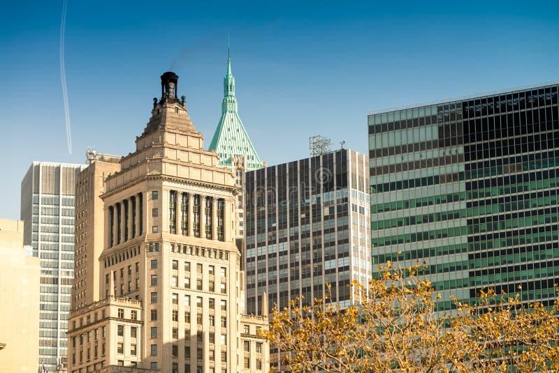 Edifícios de New York Skyline clássica da cidade imagens de stock royalty free