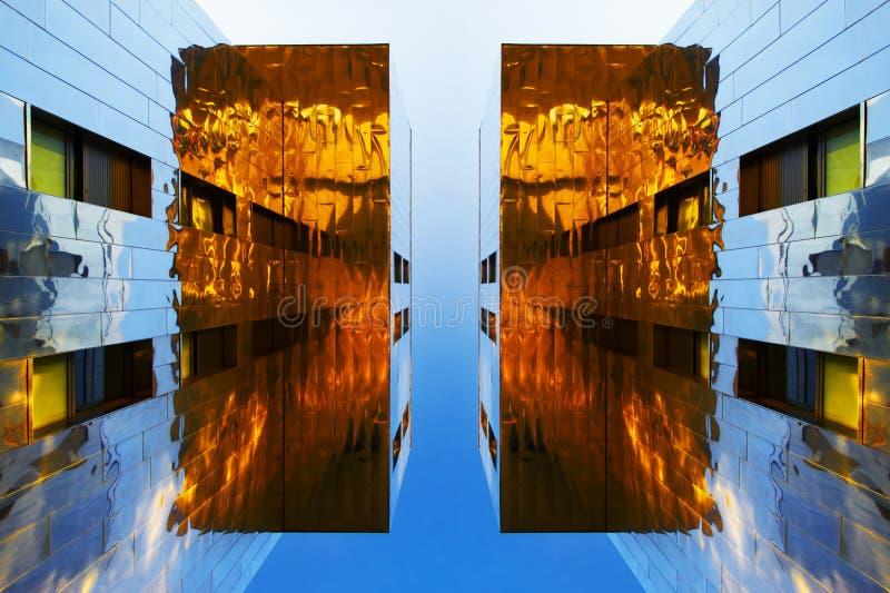 Edifícios do espelho imagens de stock