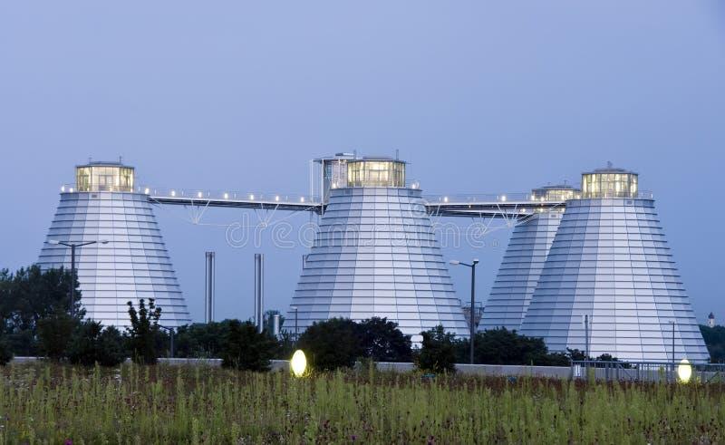 Edifícios industriais do silo imagens de stock