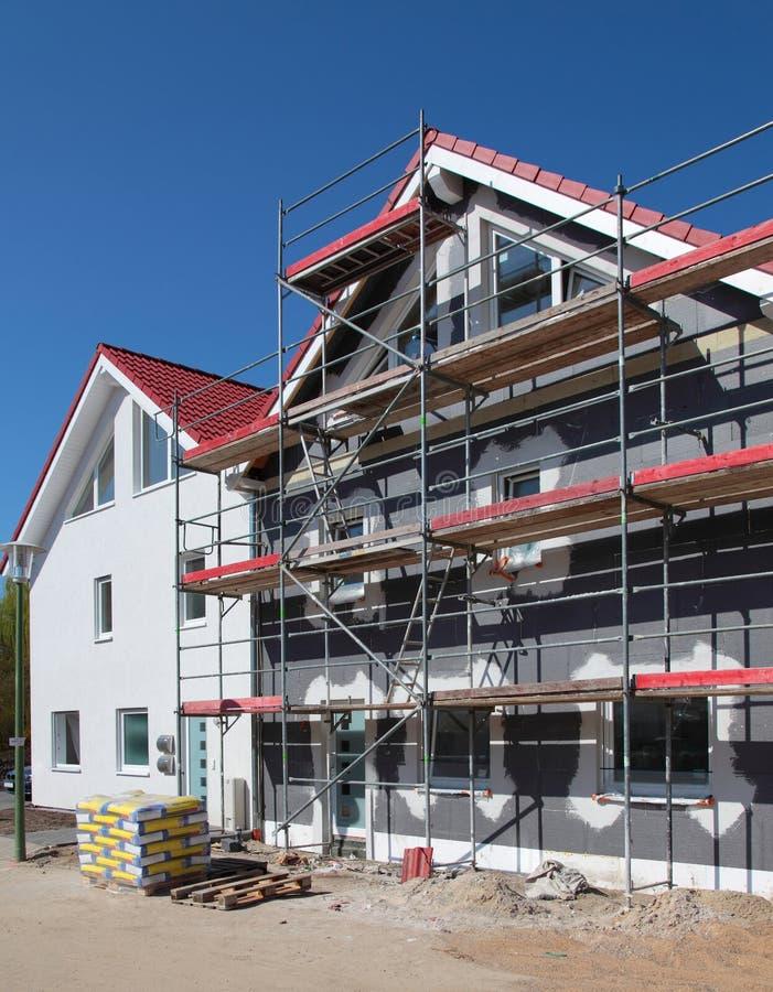 Edifícios residenciais novos imagens de stock