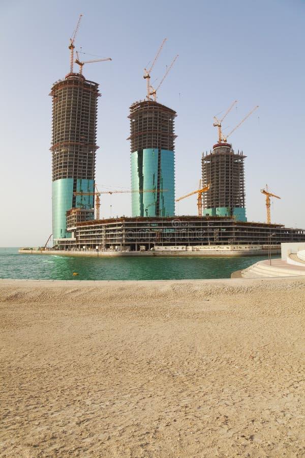 Edifícios sob a construção, Manama, Barém fotografia de stock