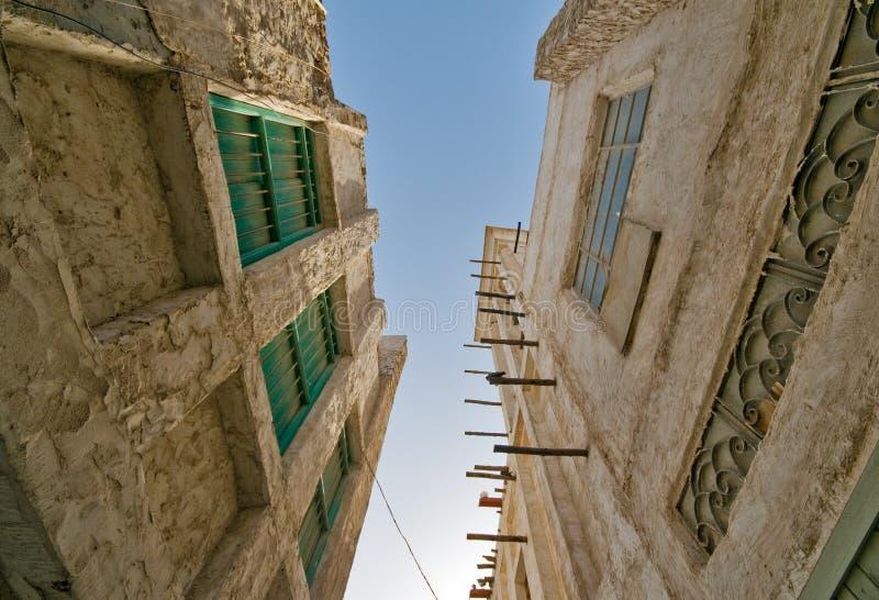 Edifícios velhos de Souq Waqif do mercado de Doha fotografia de stock royalty free