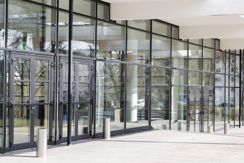 Edif?cio de vidro moderno fotos de stock