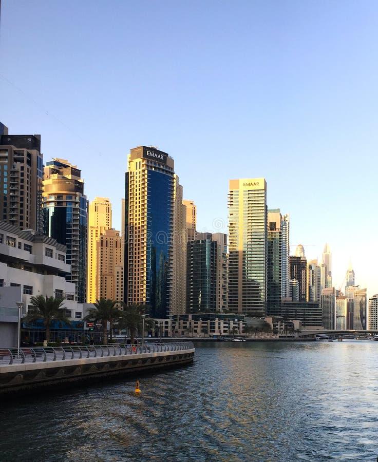 Edifici alti nel Dubai fotografie stock