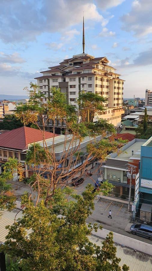 Edifici commerciali a Davao City, Filippine fotografie stock libere da diritti