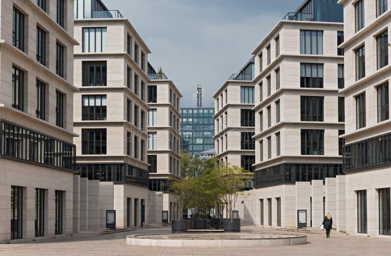 Edifici per uffici al Taunusanlage a Francoforte, Germania immagine stock