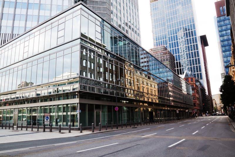 Edifici per uffici moderni a Francoforte fotografia stock libera da diritti