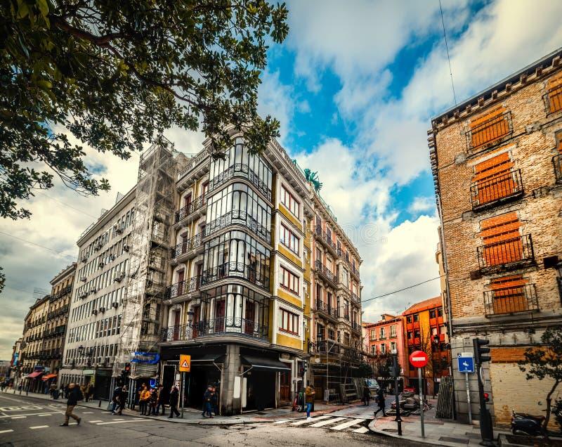 Edifici pittoreschi nel centro di Madrid immagine stock libera da diritti