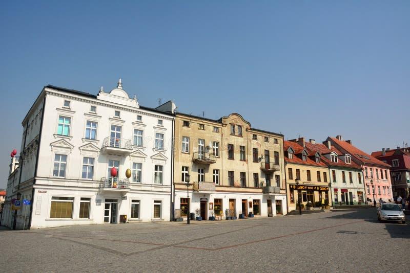 Edifici residenziali sulla via di Tumska in Gniezno, Polonia fotografia stock libera da diritti