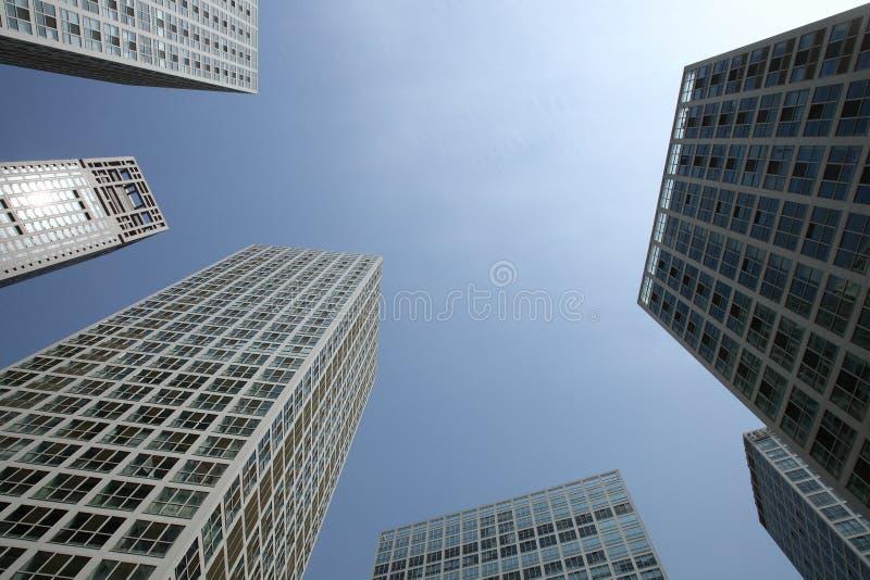 Download Edificio foto de archivo. Imagen de cielo, hotel, asoleado - 7275278