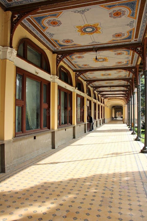 Edificio abandonado barroco hist?rico viejo - casino de Baile Herculane fotos de archivo