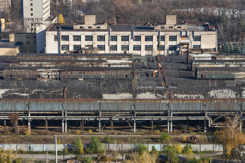Edificio abandonado de la fábrica fotografía de archivo libre de regalías