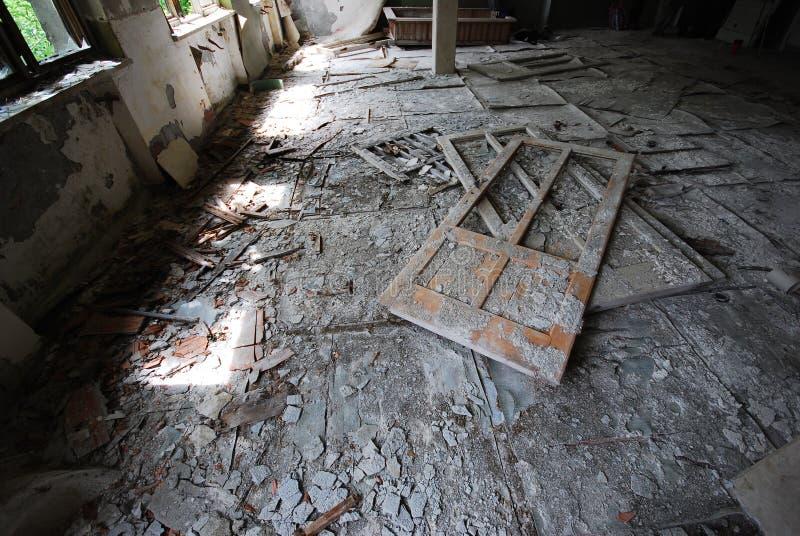 Edificio abandonado del hospital foto de archivo