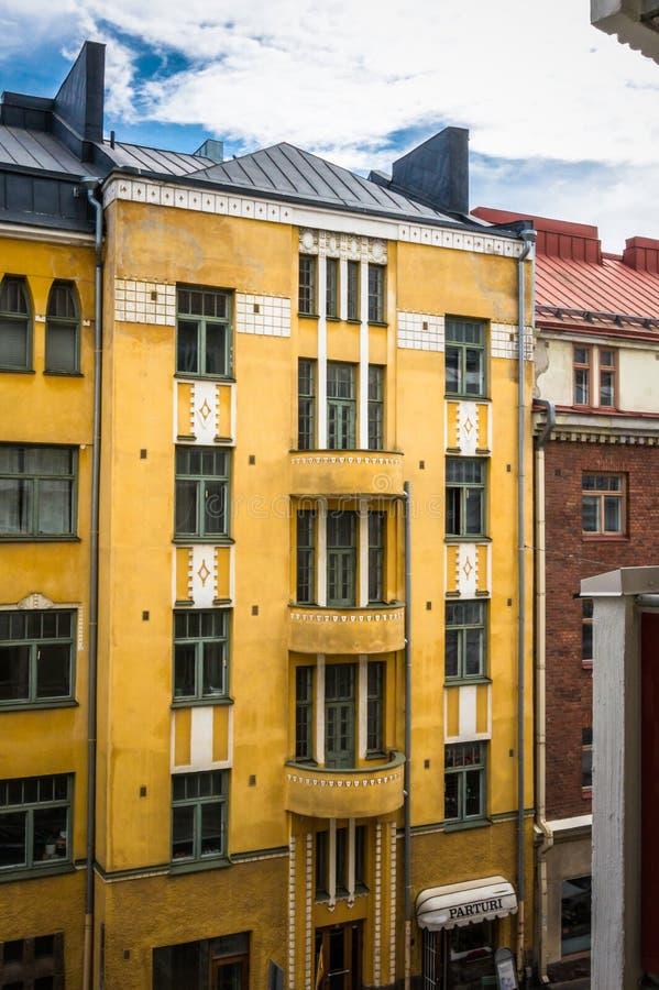 Edificio amarillo fotografía de archivo