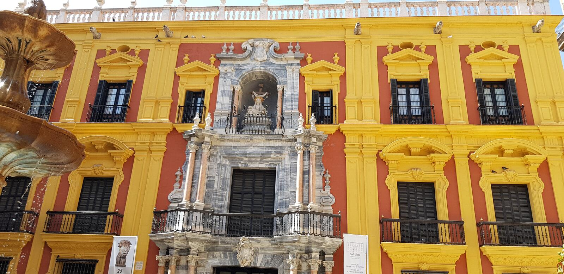 Edificio auténtico en España foto de archivo