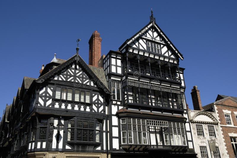 Edificio blanco y negro de Tudor fotografía de archivo