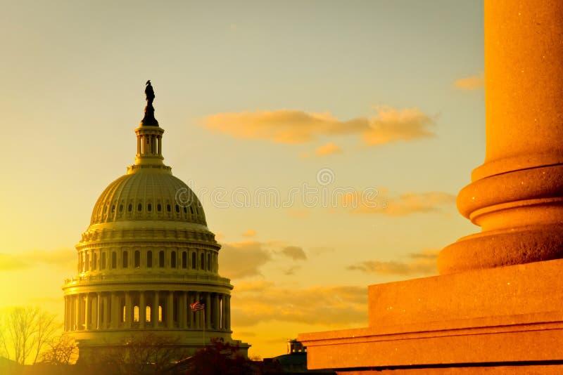 Edificio capital en la puesta del sol, Washington, DC de los E.E.U.U. imagen de archivo