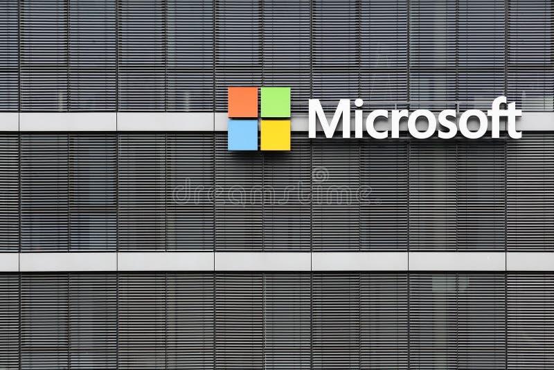 Edificio in Colonia, Germania di Microsoft Office fotografia stock