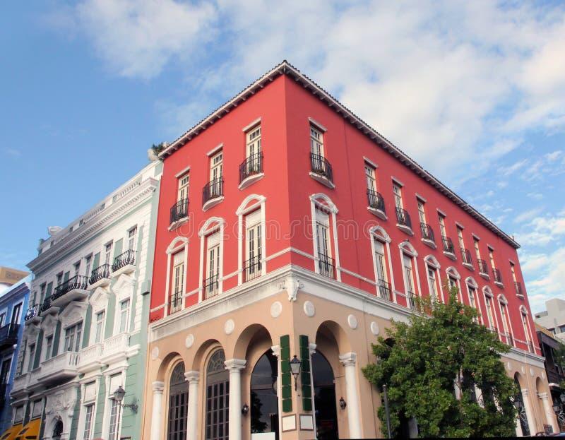 Edificio colorido. imagen de archivo