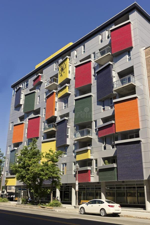 Edificio colorido en la ciudad de Quebec fotografía de archivo libre de regalías