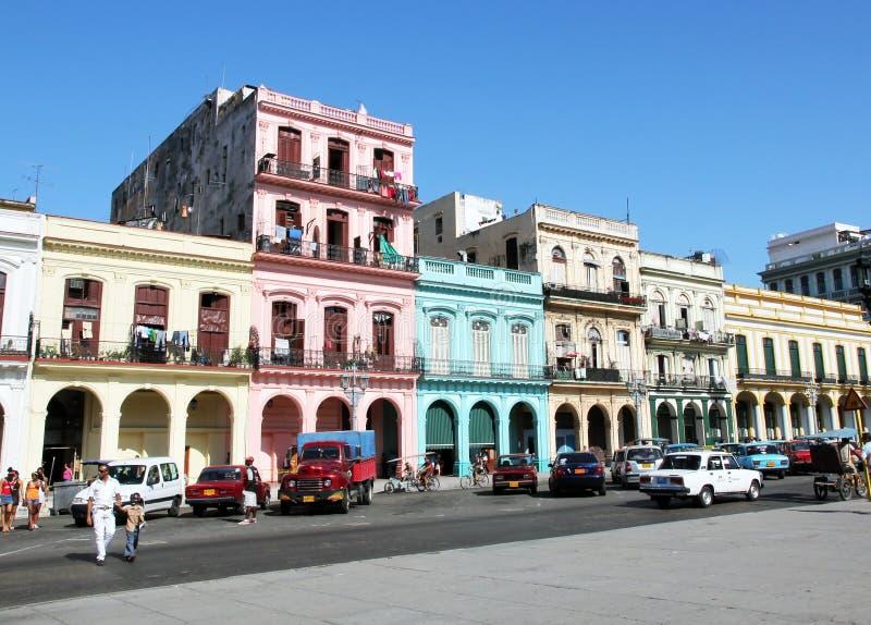 Edificio colorido en La Habana fotografía de archivo libre de regalías