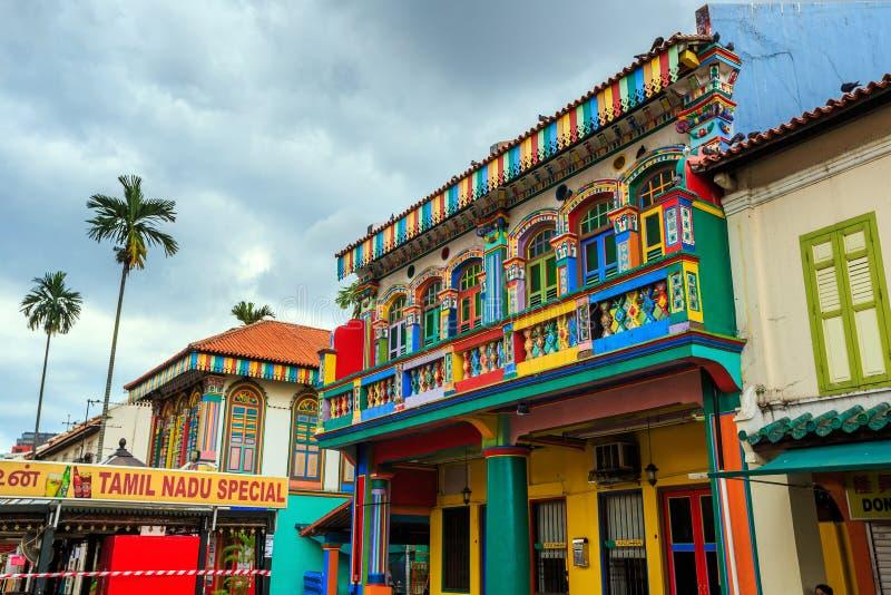 Edificio colorido en la poca India, Singapur fotografía de archivo libre de regalías