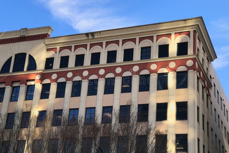 Edificio comercial del estilo europeo del viejo estilo en Norteamérica fotos de archivo libres de regalías