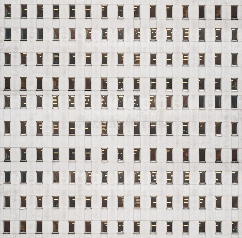 Edificio con las porciones de ventanas foto de archivo