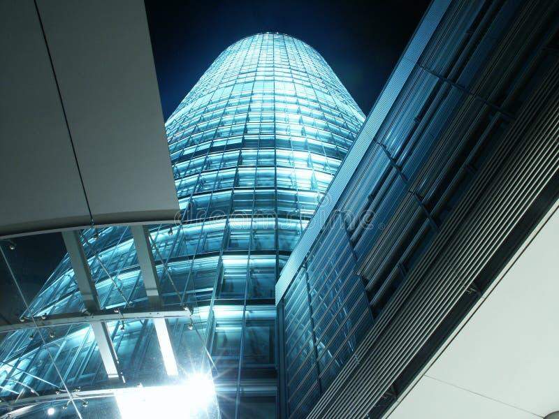 Edificio con las porciones de vidrio fotografía de archivo libre de regalías