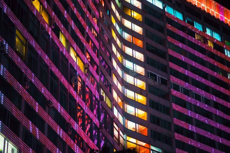 Edificio con noche del LED imagen de archivo libre de regalías