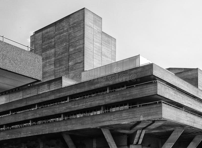 Edificio concreto del Brutalist - esquina imagen de archivo