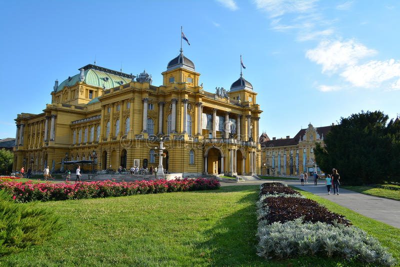 Edificio croata del teatro nacional en Zagreb foto de archivo