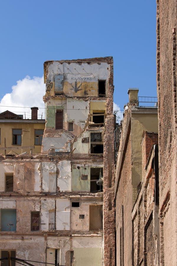 Edificio dañado imagen de archivo libre de regalías