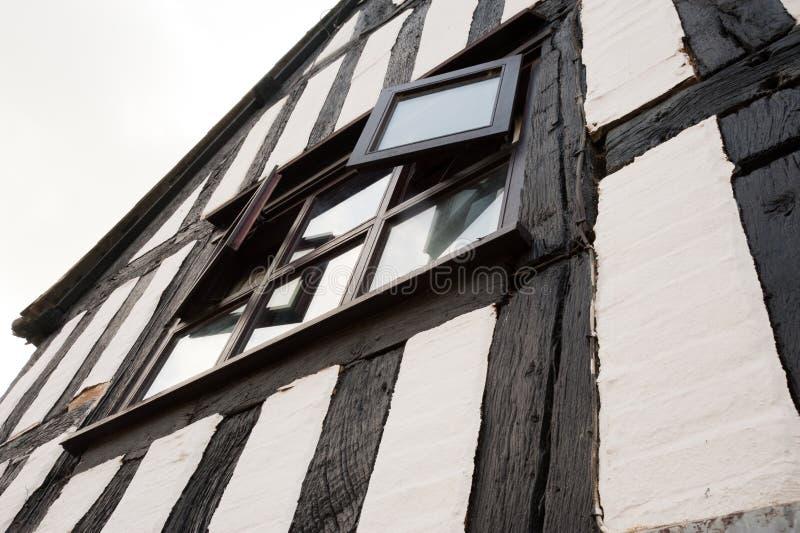 Edificio de entramado de madera imagen de archivo