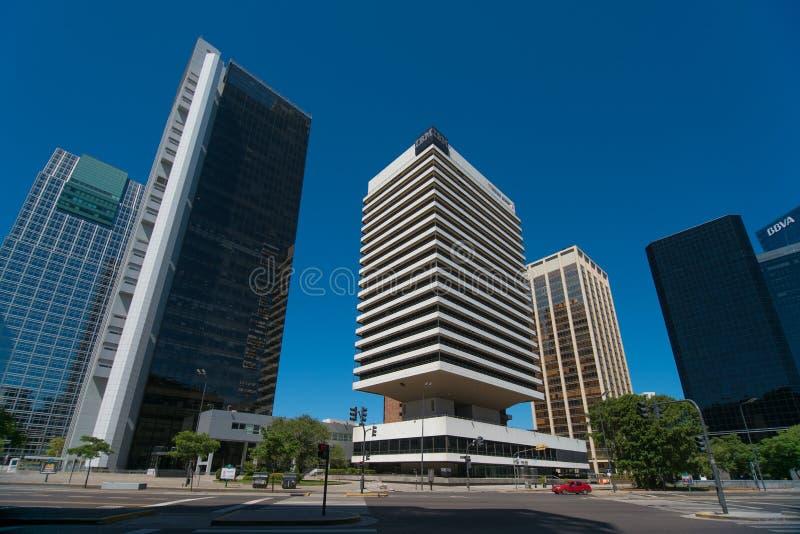 Download Edificio De IBM Rodeado Por Los Edificios De Alta Densidad Foto editorial - Imagen de torre, corporación: 64201306