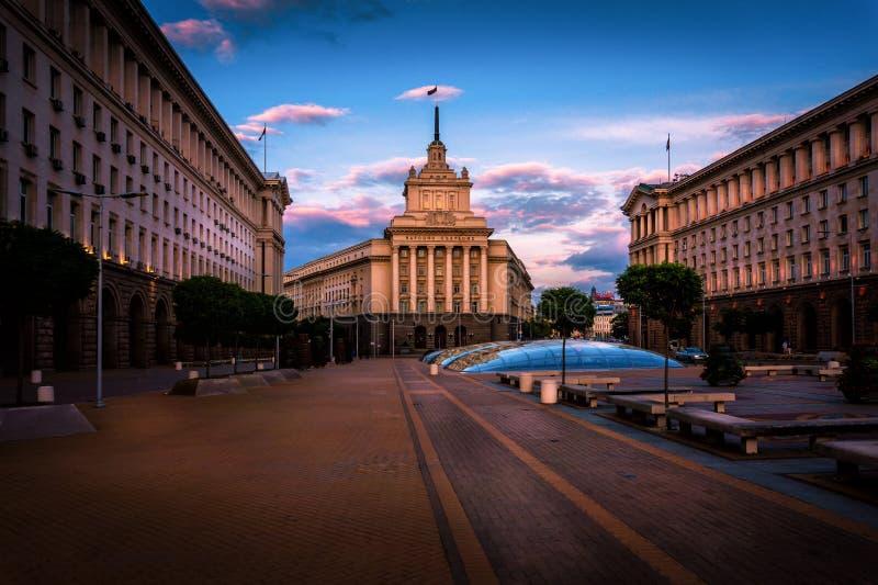 Edificio de la asamblea nacional de Bulgaria en Sofia Bulgaria fotografía de archivo libre de regalías