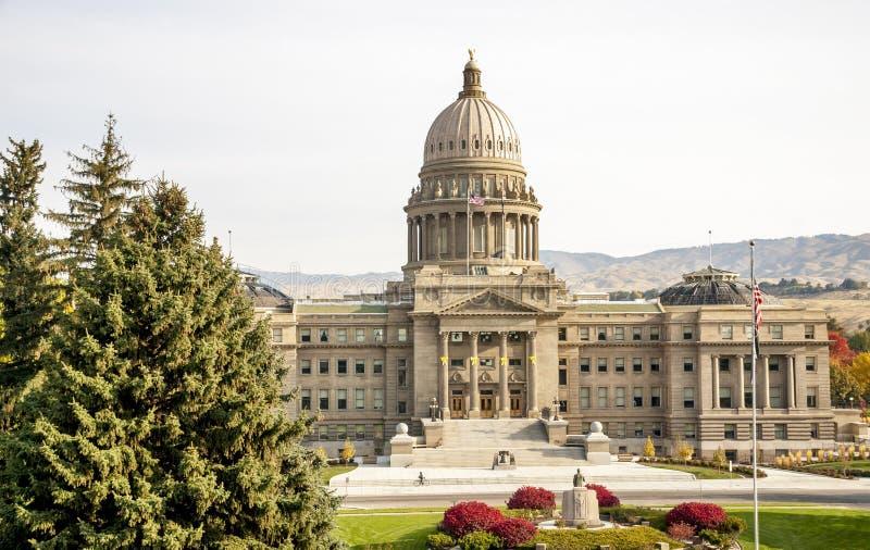 Edificio de la Capital del Estado de Idaho en el otoño imagen de archivo
