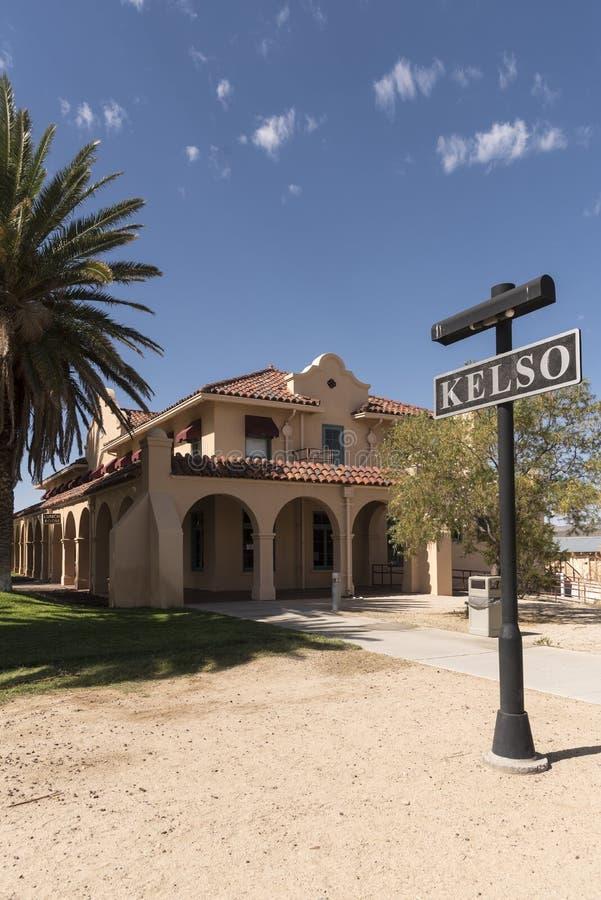 Edificio de la estación en el coto del Mojave del depósito de Kelso fotografía de archivo