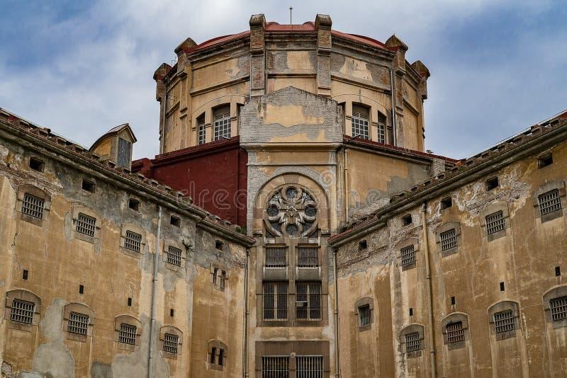Edificio de la prisión vieja fotos de archivo