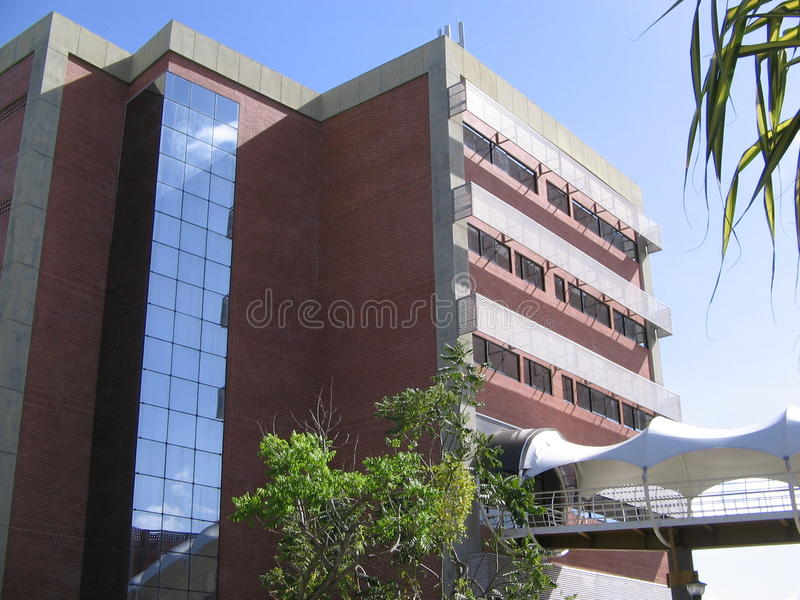 Edificio de la universidad, Puerto Ordaz, Venezuela fotos de archivo