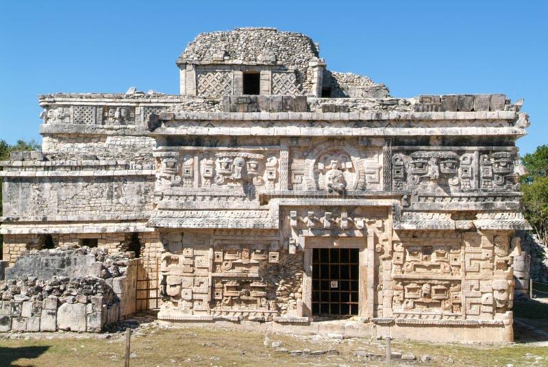 Edificio de las Monjas en la ciudad maya Chichen Itza imagen de archivo libre de regalías
