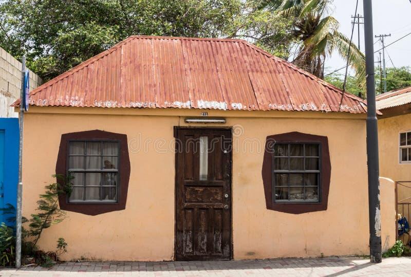 Edificio de madera anaranjado de Scharloo fotografía de archivo