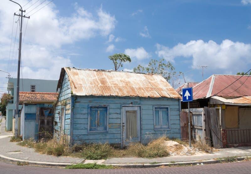 Edificio de madera azul de Scharloo imagen de archivo