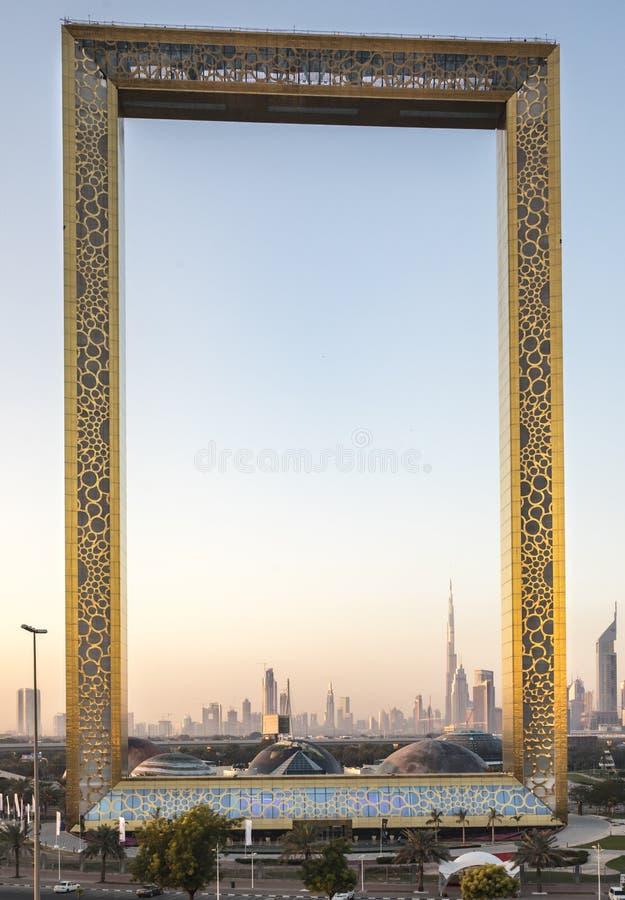 Edificio De Marco De Dubai En La Salida Del Sol Foto editorial ...
