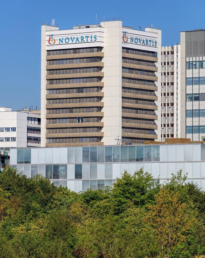 Edificio de Novartis en Basilea, Suiza foto de archivo