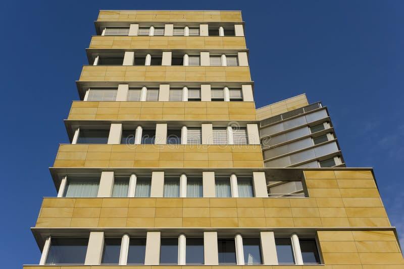 Edificio de oficinas fotos de archivo