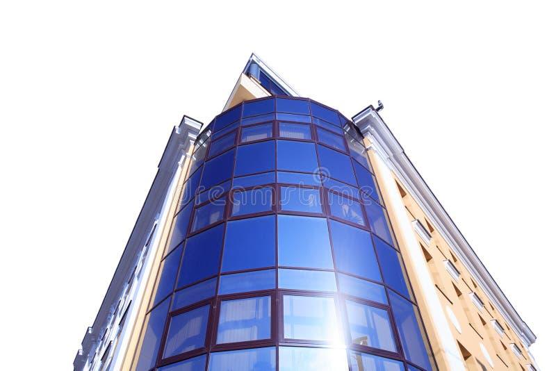 Edificio de oficinas aislado imagen de archivo