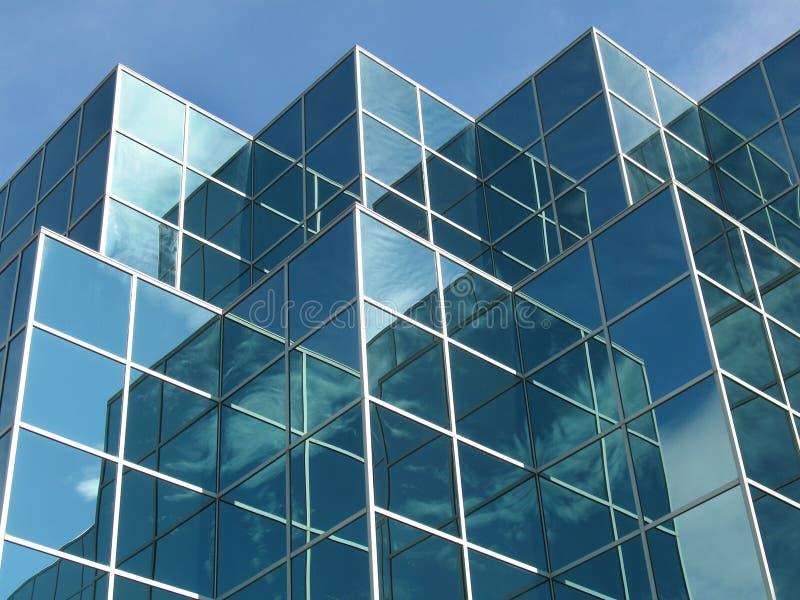 Edificio de oficinas azul imagen de archivo