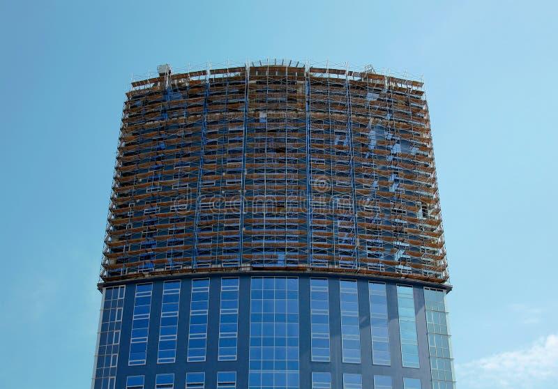 Edificio de oficinas bajo construcción fotografía de archivo
